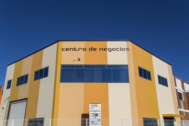 centro-de-negocios-industrial-alquiler-oficinas-fachada-2