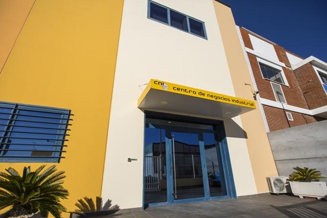 centro-de-negocios-industrial-alquiler-oficinas-fachada-4