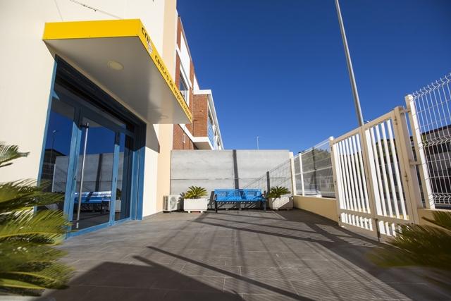 centro-de-negocios-industrial-alquiler-oficinas-fachada-8